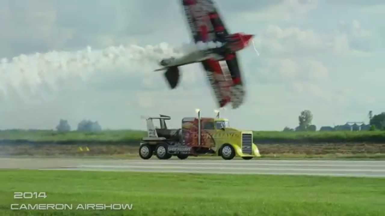 Amazing Airshow video - Cameron Airshow 2014 Jukin Media ...