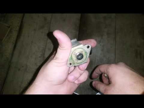 как должен работать клапан холостого хода Mazda Demio