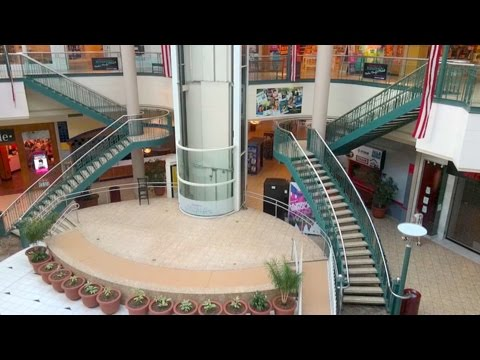 DEAD MALL SERIES : From Justin Bieber to Just Dead : The Marketplace at Steamtown