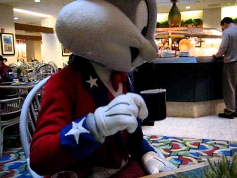 Bugs Bunny and Sylvester the Cat try to order at the Milwaukee Hyatt Regency