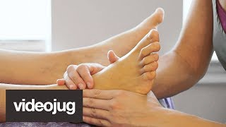Video How To Give A Stress Relieving Foot Massage download MP3, 3GP, MP4, WEBM, AVI, FLV Juni 2018