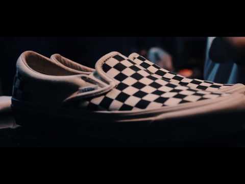 Cleaning Vans Checkerboard OG - YouTube