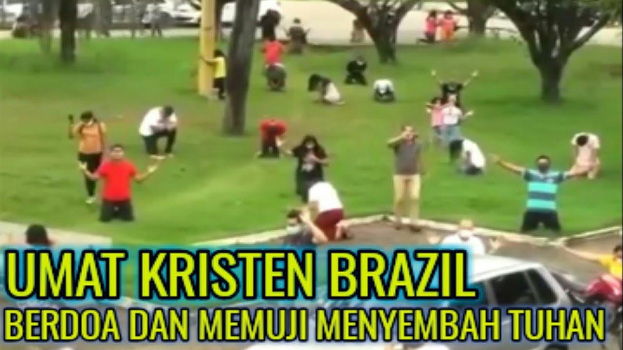 Umat Kristen Brazil Berdoa dan Memuji Penyembah Tuhan Yesus