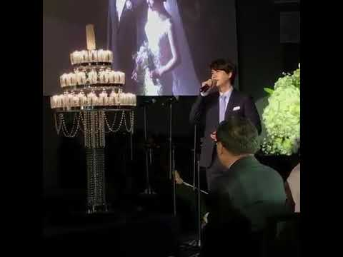 Kyuhyun singing at a wedding!