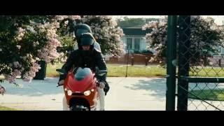 Момент из фильма Неудержимые   2010 год ( драка )
