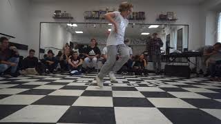 Maryana vs Nastya | 1/8 bgirl battle | DVIZH CLUB BATTLE