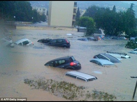 Massive FLOODS Ravage W EUROPE FRANCE 20 Dead 1 Million affected 10.5.15
