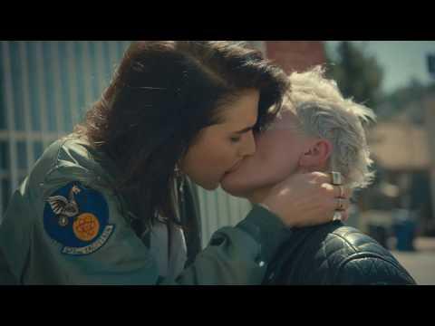 MONA - Kiss Like A Woman (Official Video)