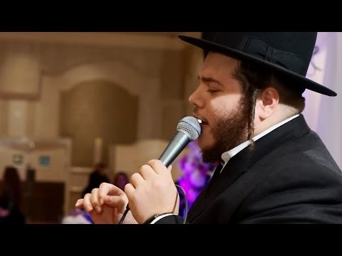Levi Falkowitz Sings At Wedding