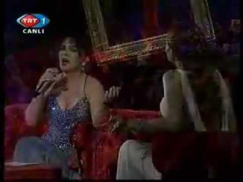Sezen Aksu & Candan Erçetin - Yalan (Live).mpg