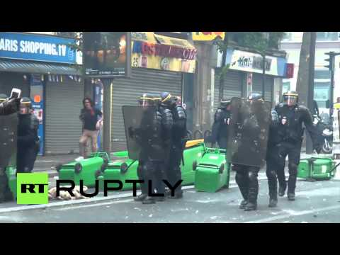 France: Mayhem in Paris as tear gas hits pro-Palestinian protesters