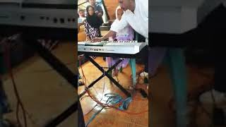 Viral !!! Satu keluarga berdarah seni,Gambus Tolaki