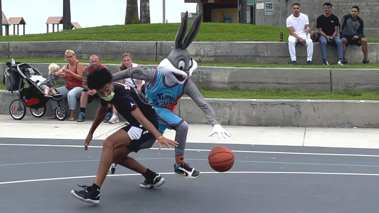 Download Bugs Bunny 1v1 Basketball at Venice Beach [Space Jam IRL]