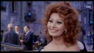 Repeat youtube video National Arts Awards 2015: Sophia Loren