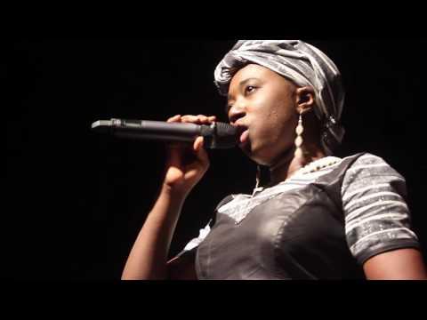 Malika la slameuse aux NAK (Nuits Atypiques de Koudougou)