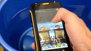 Видео обзор Jeep F605 - защищенный смартфон(Телефон с феноменальным аккумулятором на 12000 мАч! Купить можно здесь: http://bemobi.com.ua/jeep-f605-yellow http://bemobi.com.ua/jeep-f605., 2016-07-25T07:54:15.000Z)