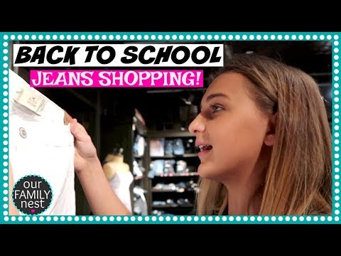 BACK TO SCHOOL SHOPPING FOR JEANS!  TRYING ON CLOTHES AT THE MALL!
