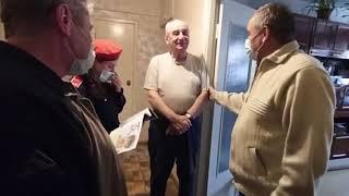 Сотрудники 5ПСЧ, кадеты и ветераны МЧС поздравили пожилых пенсионеров с праздником