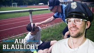 Polizist wird von Fußballspieler angegriffen! | AUF BLAULICHT | JONAS | REACTION