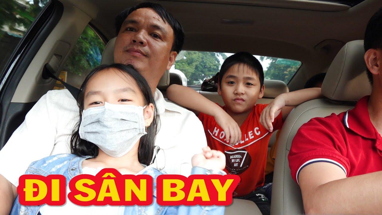 Hai bố con bé Dương lái xe Elantra đưa cô chú ra sân bay Nội Bài