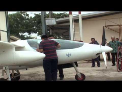 Peresmian dan Penerbangan Perdana Pesawat LSA-01