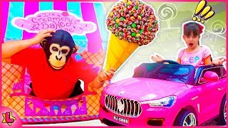 Laurinha and Monkey play with food house   Nursery Rhymes Song, for kids