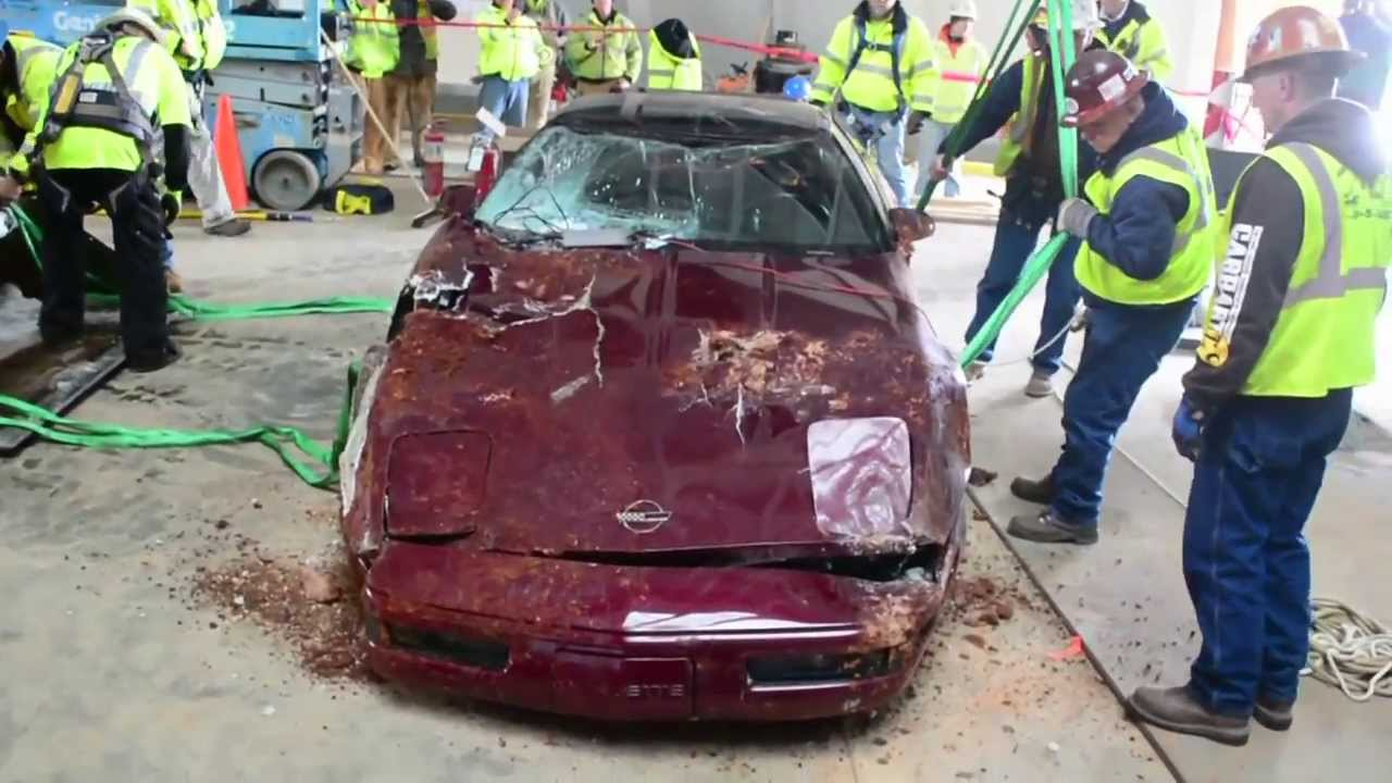 National Corvette Museum >> Corvette Museum Sinkhole : Top Cars Retrieved - Video ...