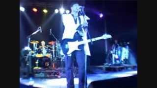 Ambondrona - Leo (live)