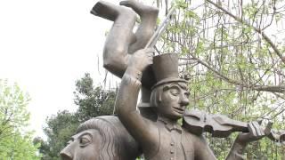 Скульптурная композиция «Клоуны» в Италии(12 апреля 2014 года на одной из площадей итальянского города Морчано-ди-Романья (область Эмилия-Романья) недал..., 2014-04-14T14:20:10.000Z)