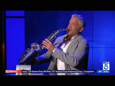 Dave Koz Performs