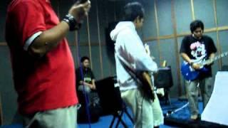 J. Rock - Entah Bagaimana  Anthemosty Cover