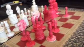 LOVELY ANTIQUE 19th C Red Bone Old English Chess Set