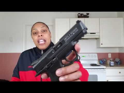 Smith and Wesson M&P22