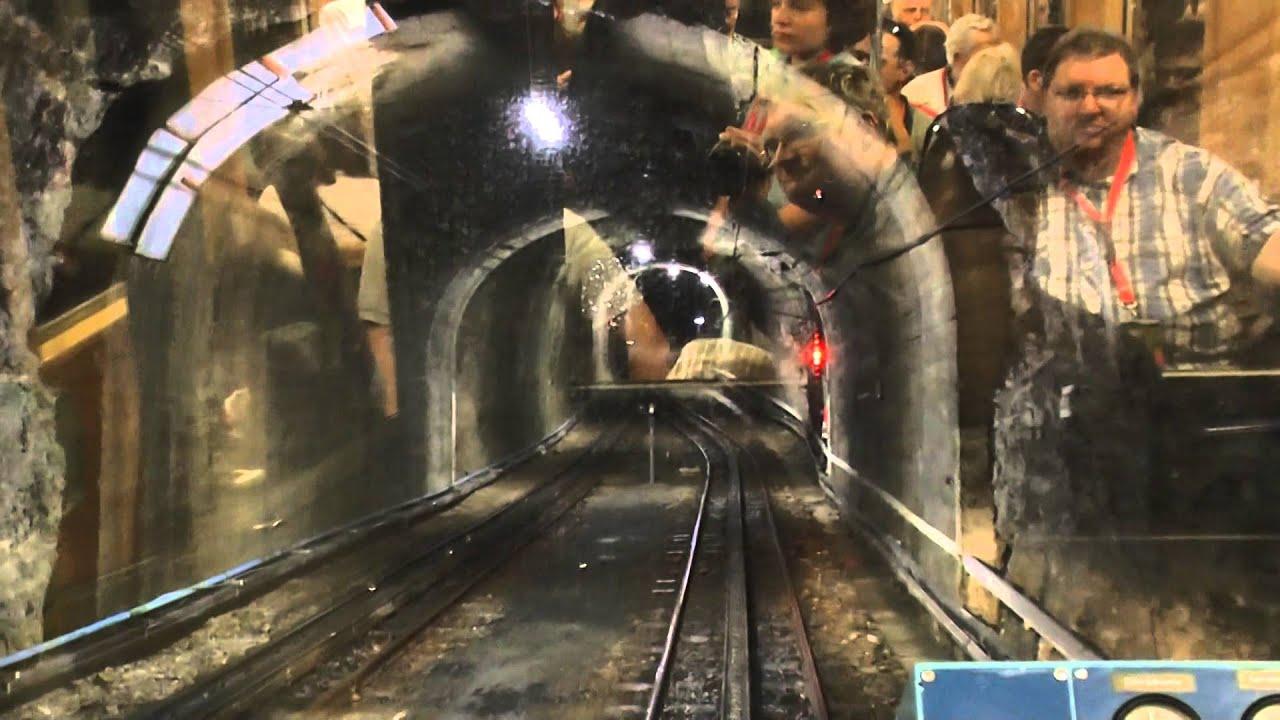 Fahrt mit der Zahnradbahn auf die Zugspitze: Tunnelfahrt ...