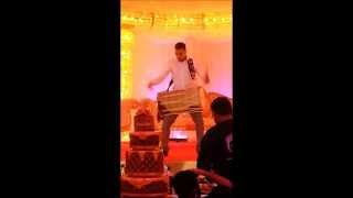 Worlds Fastest Dhol Player! Indian Wedding Bhangra Music London 2013