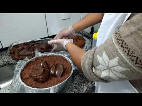 Como montar e prensar bolo de aniversário