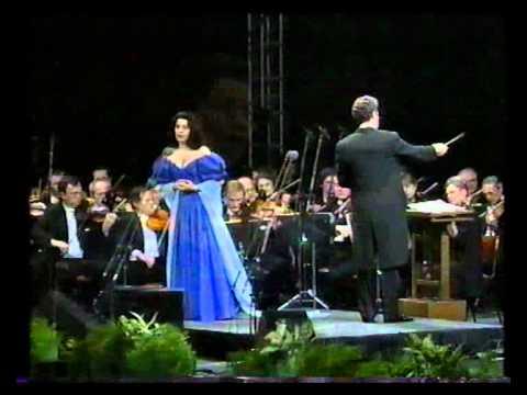 Angela Gheorghiu - Turandot - Tu che di gel sei cinta - Prague 1994