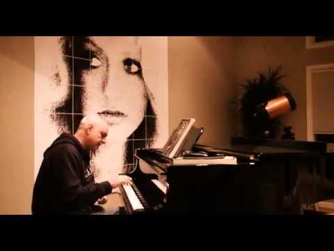 googoosh gAhi khandeh gAhi geryeh on the piano - گوگوش - گاهی خنده گاهی گریه