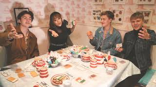 New Hope Club-Biscuit Making with Danna Paola @NewHopeClub @DannaPaola
