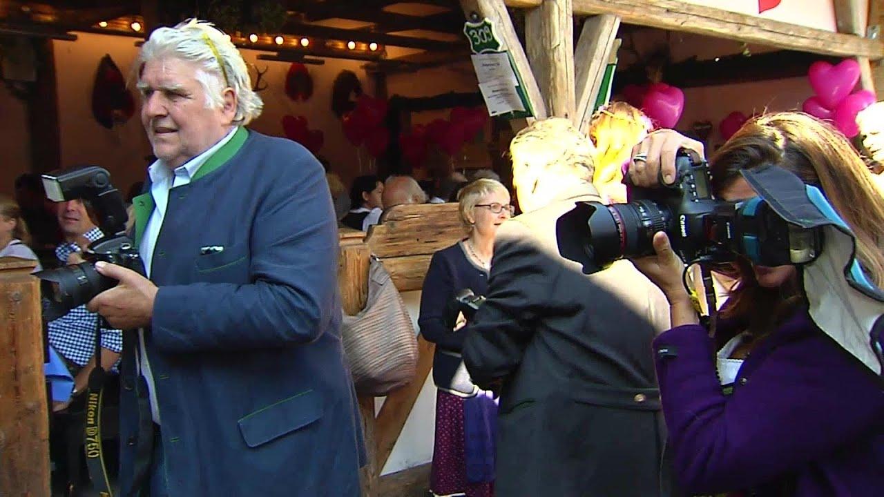 Oktoberfest 2016: Auflauf der Promi-Damen in der Käfer Wiesn-Schänke ...