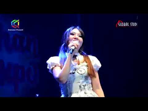 Free Download Via Vallen - Selingkuh ( Live Cikarang Clothing Expo ) 2017 Mp3 dan Mp4