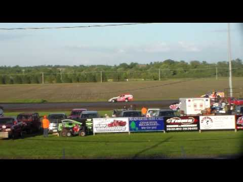 Modified Heat 4 @ Benton County Speedway 05/28/17