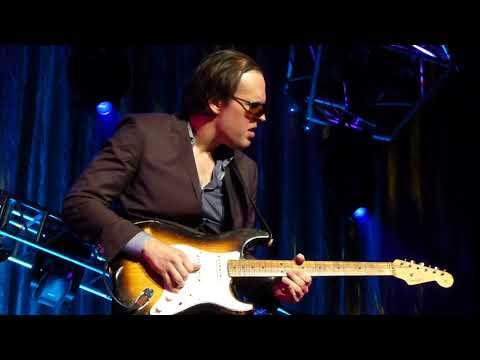 Joe Bonamassa - Love Ain't A Love Song - 11/20/15 Fox Theatre - Atlanta, GA