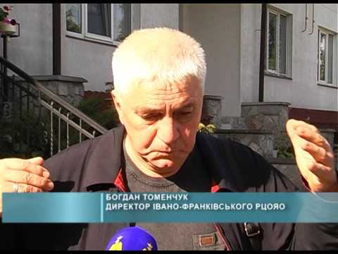 Обшук у будинку Томенчука