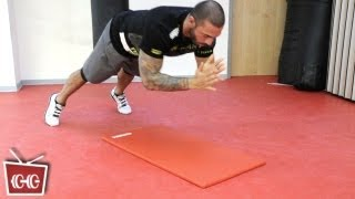 Repeat youtube video FITNESS ZUHAUSE -Liegestütz mit Klatschen- mit Seyit Ali Shobeiri - ONE MINUTE TRAINING AT HOME!!