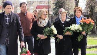 На могиле Ельцина 9 лет спустя