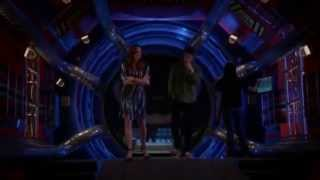 The Flash 1x12 - Snowbarry scenes (Barry/Caitlin)