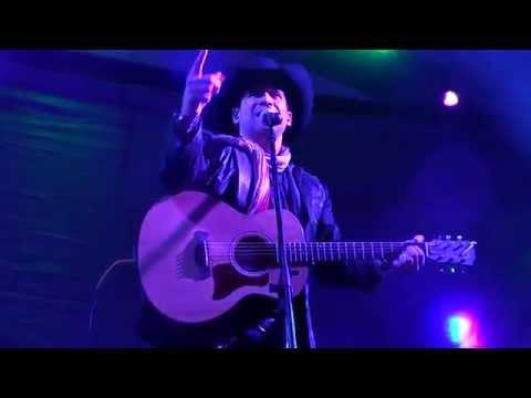 BOBBY PULIDO -Si no te hubiera conocido/No es como tú (en vivo Fiestas Santarrosinas 2015) from YouTube · Duration:  7 minutes 5 seconds