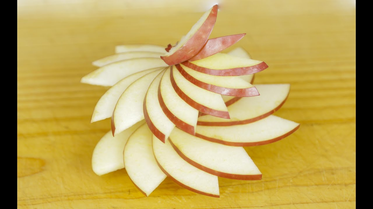 Simple Apple Swirl Garnishing Idea