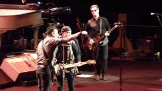 Bruce Springsteen - You Can Look (But You Better Not Touch) - Mohegan Sun Arena 5-18-2014